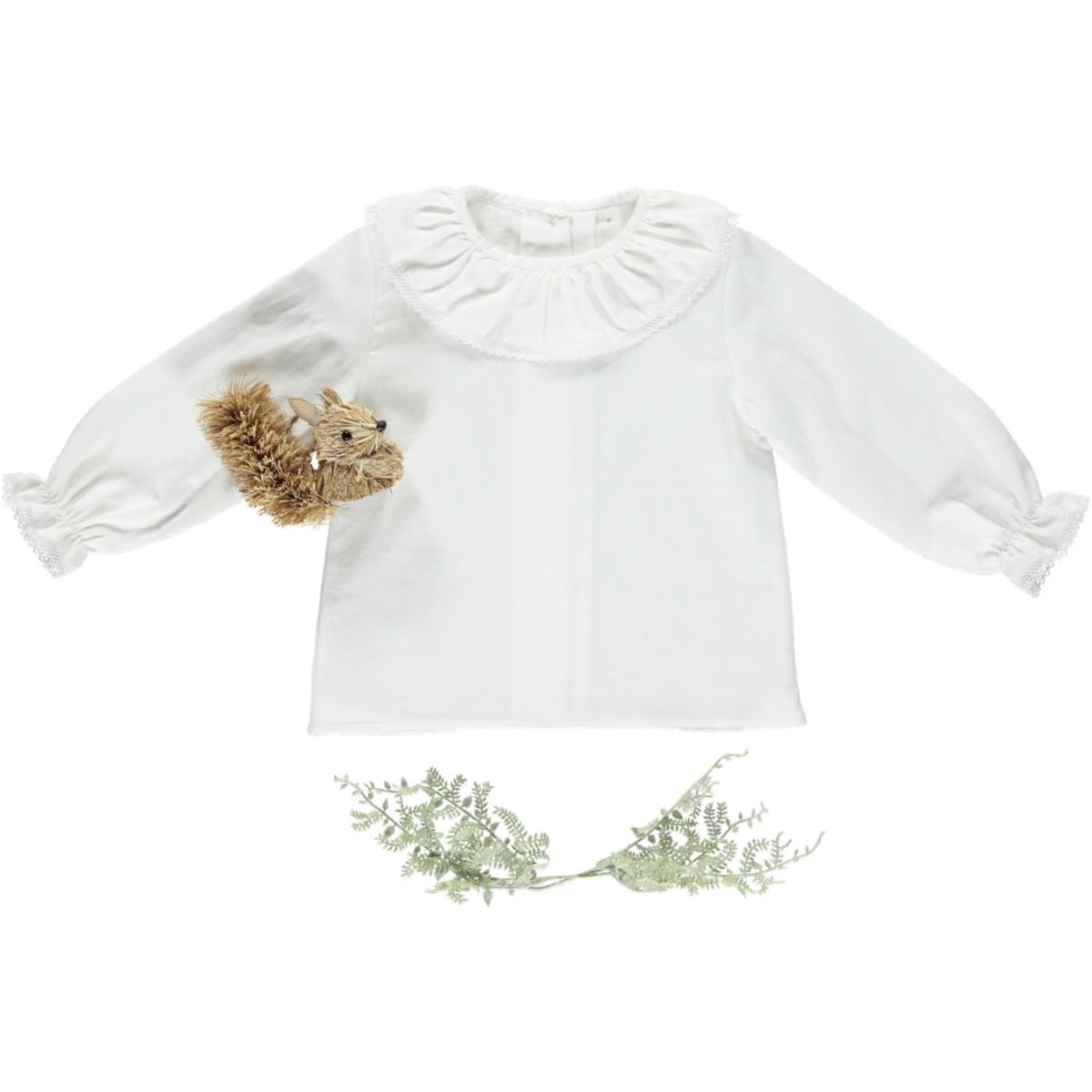 Blusa com folho